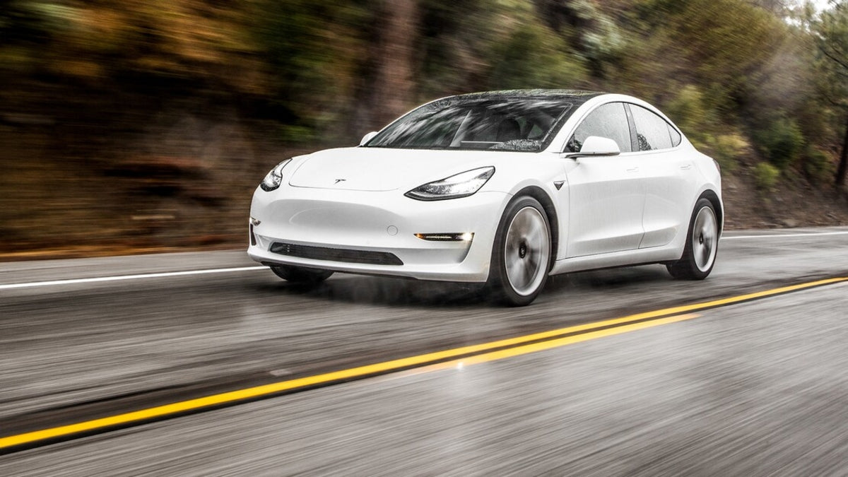 Tesla Vehicle Safety Report Q1 2021: Tesla Cars with Autopilot Are Almost 10 Times Safer