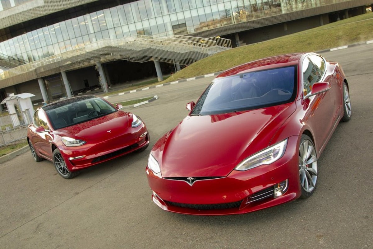 Tesla Model S & Model 3 Selected as the Official Mayoral Vehicles of Düsseldorf, Germany