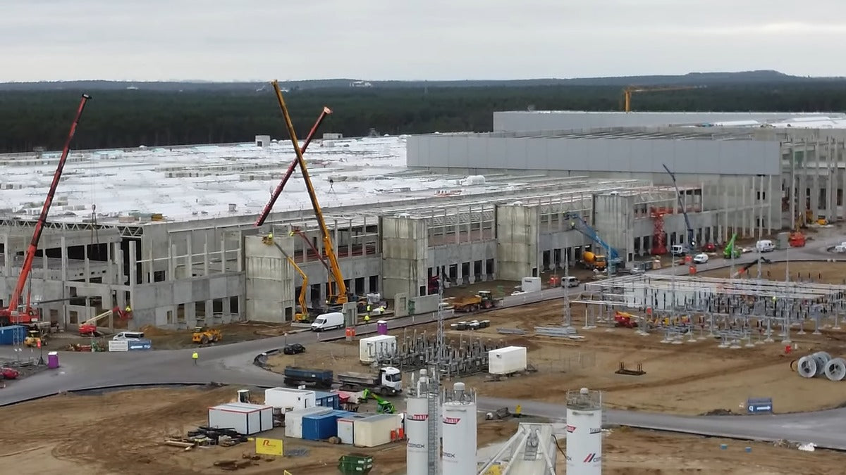 Tesla Giga Berlin Makes €100 Million Construction Deposit as Plant Races Toward Finish Line