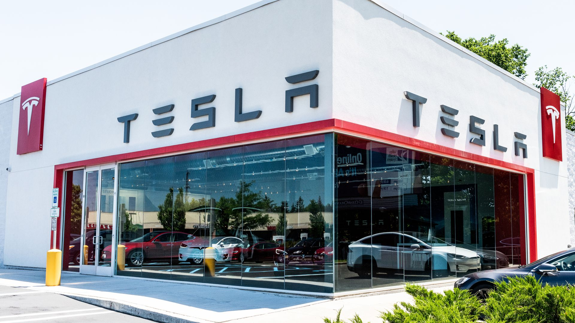 Tesla Begins Recruitment for Sales Positions to Launch Israeli Market Likely 1H 2021