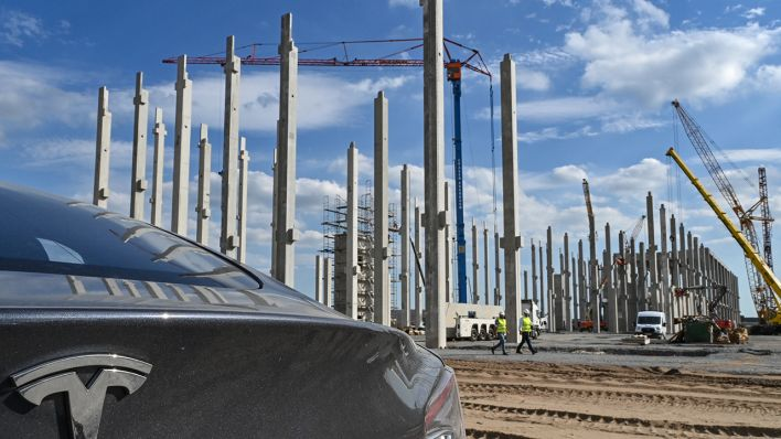 Minister Steinbach Expects Full Tesla Giga Berlin Project Approval Later This Year