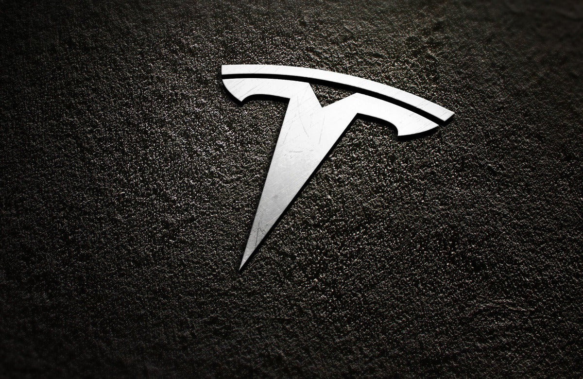 Tesla TSLA Receives Price Target Boost to $900 from Deutsche Bank, Reiterates Buy