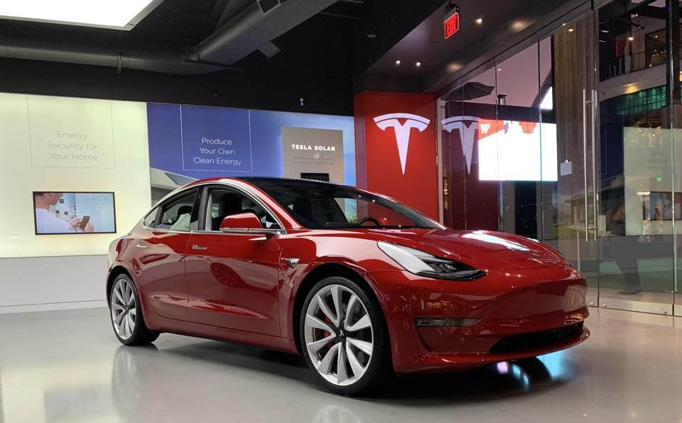Tesla India: Elon Musk Announces that Configurator to Open Around January