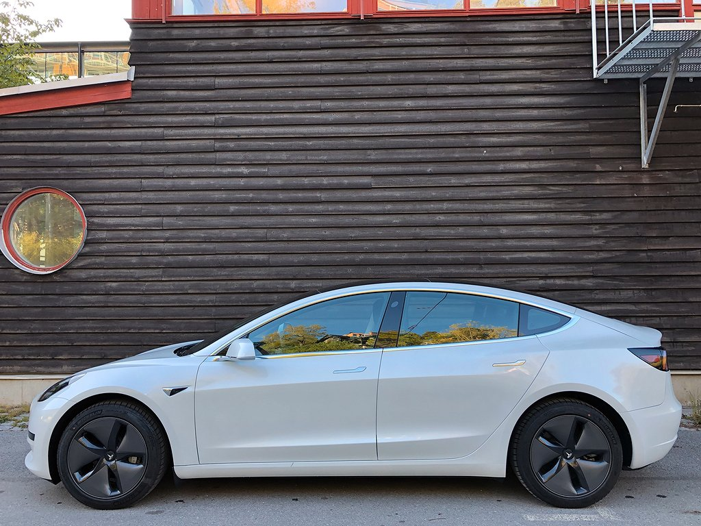 Tesla Model 3 Became Sweden's Best-Selling BEV In June