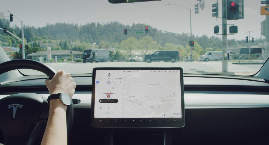 Tesla FSD Next Big Update Will Be Turns On City Street Intersections, Says Elon Musk