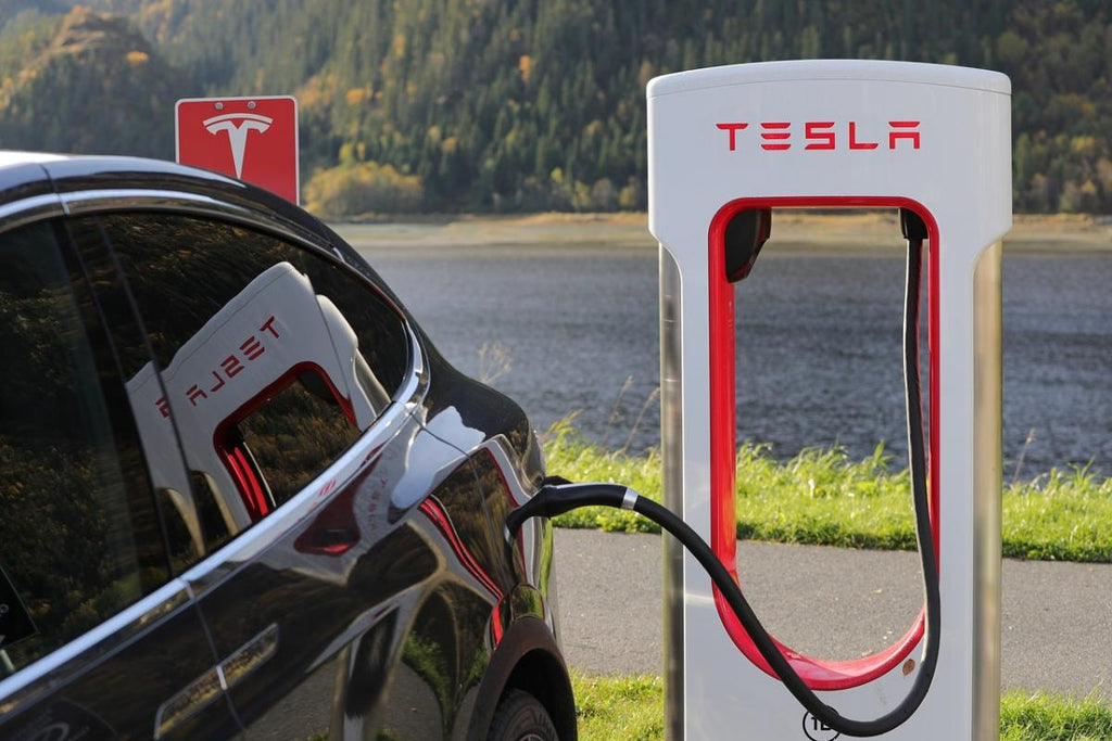 Tesla Provides In-Car Payment Option For Your Supercharging [Video]