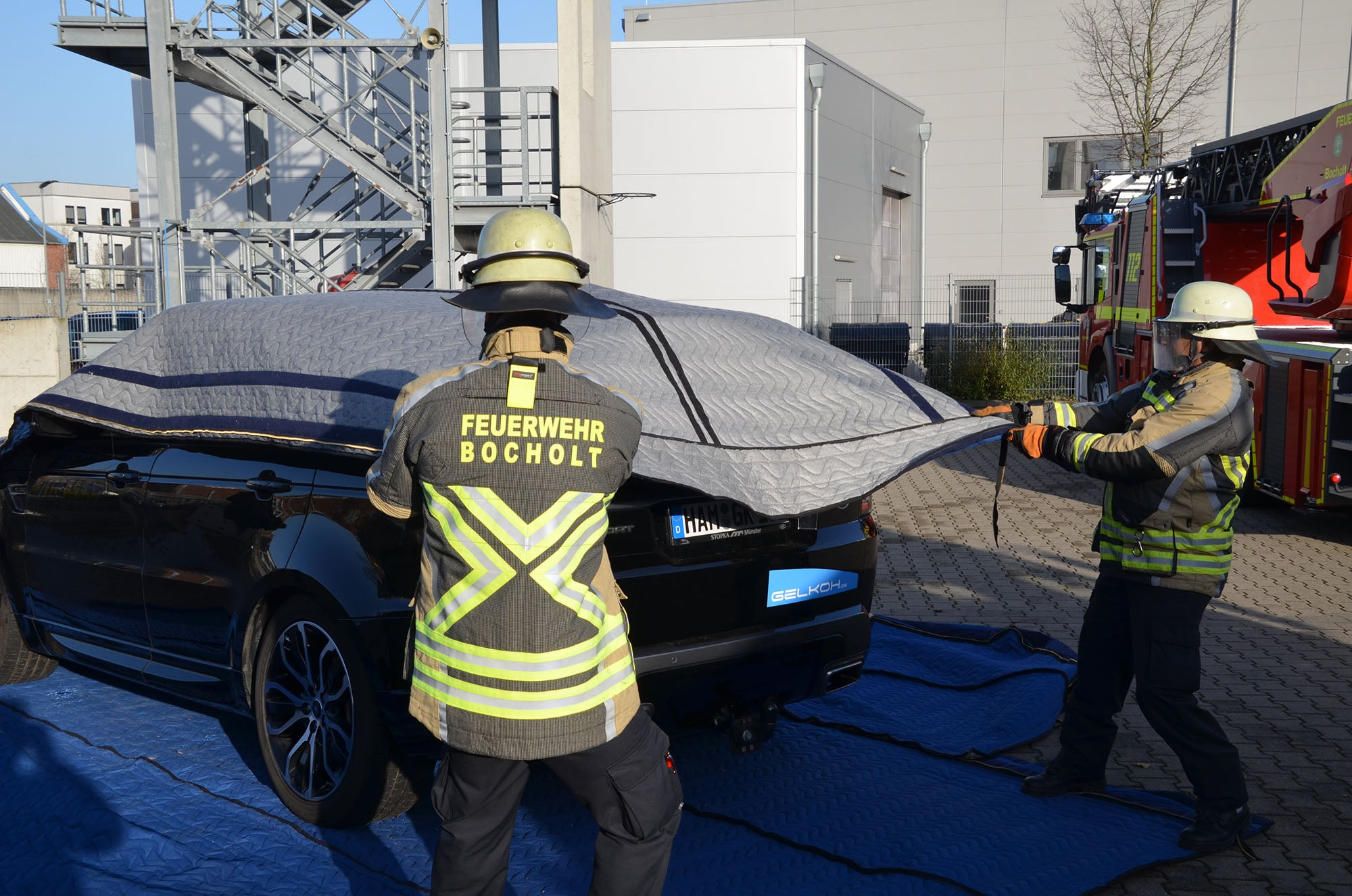 A New Effective Solution For EV Caught Fire: Emergency Blanket
