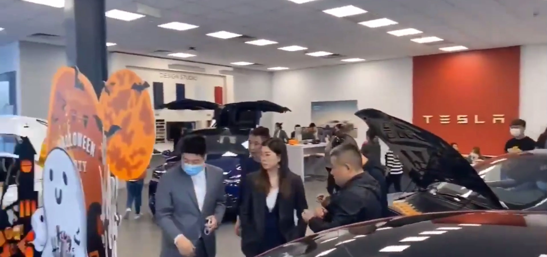 Tesla (TSLA) Demand in China Continues to Skyrocket as Stores Are Packed with Customers