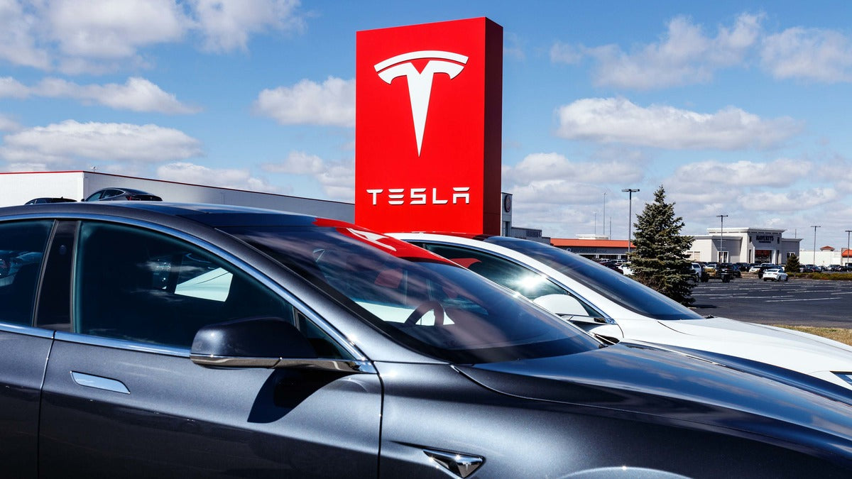 Tesla Receives Outperform Rating & $855 Price Target from KGI Securities