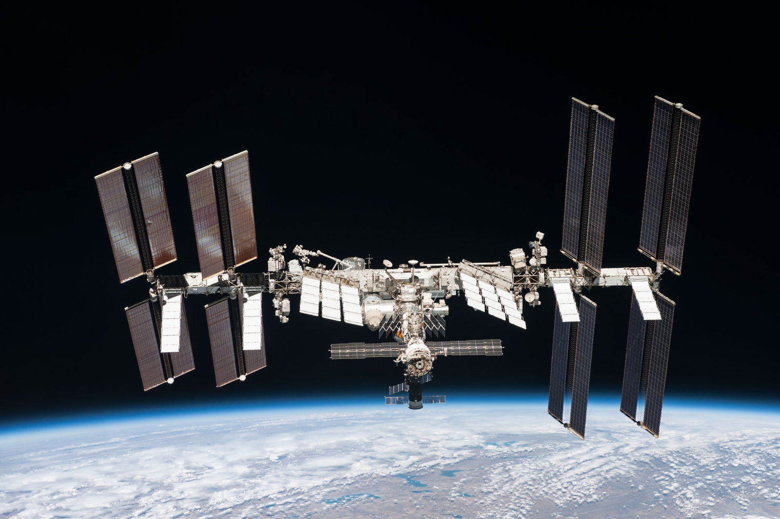 Axiom plans to launch a Reality Show winner to the Space Station –It m