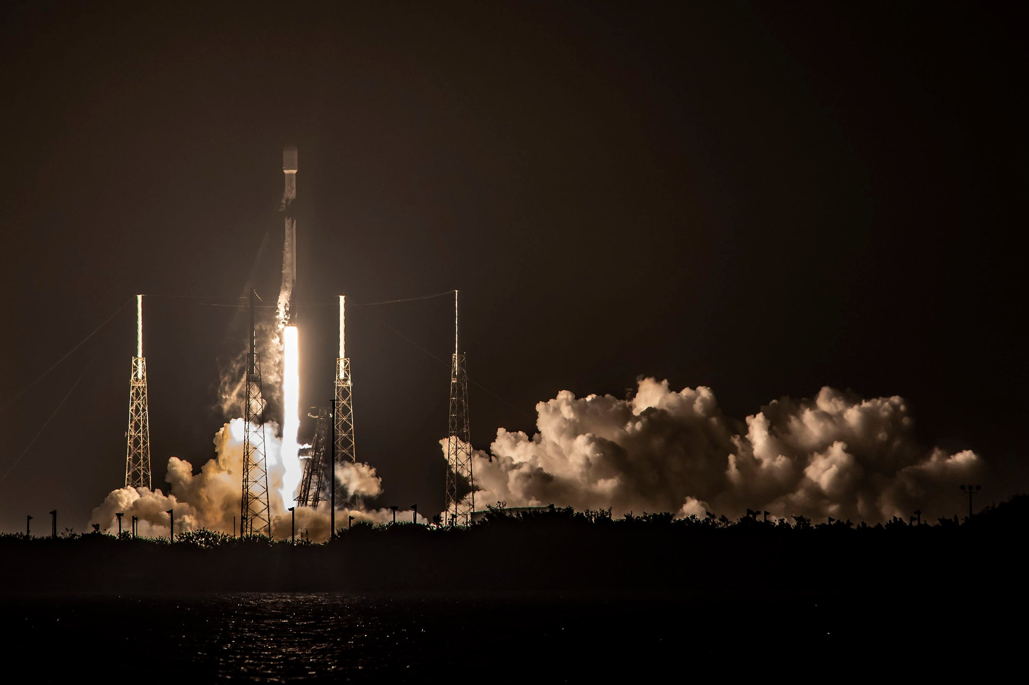 SpaceX launches Falcon 9 for the seventh time to deploy Starlink satellites