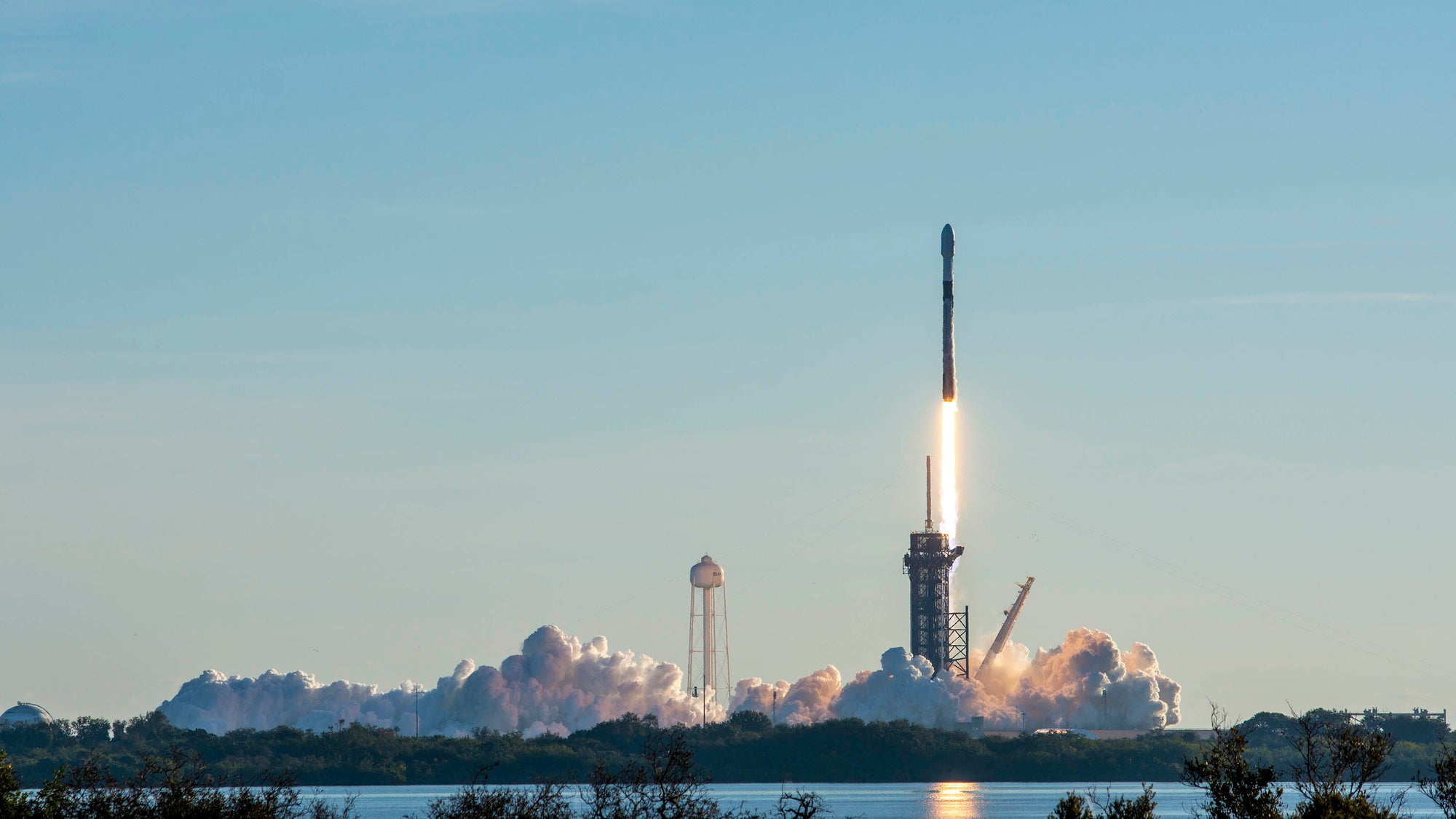 SpaceX Reaches Milestone Of Over 1,000 Starlink Satellites Deployed