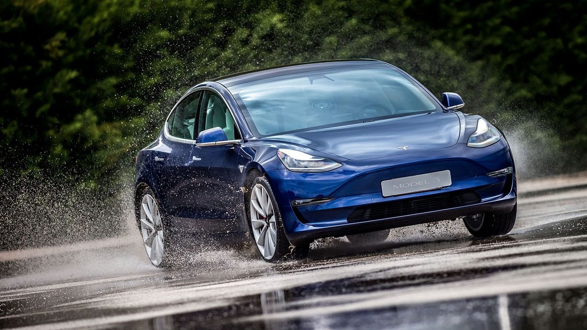 Tesla Model 3 Smashes Rivals & Becomes Best-Selling Car (All) in December in the UK