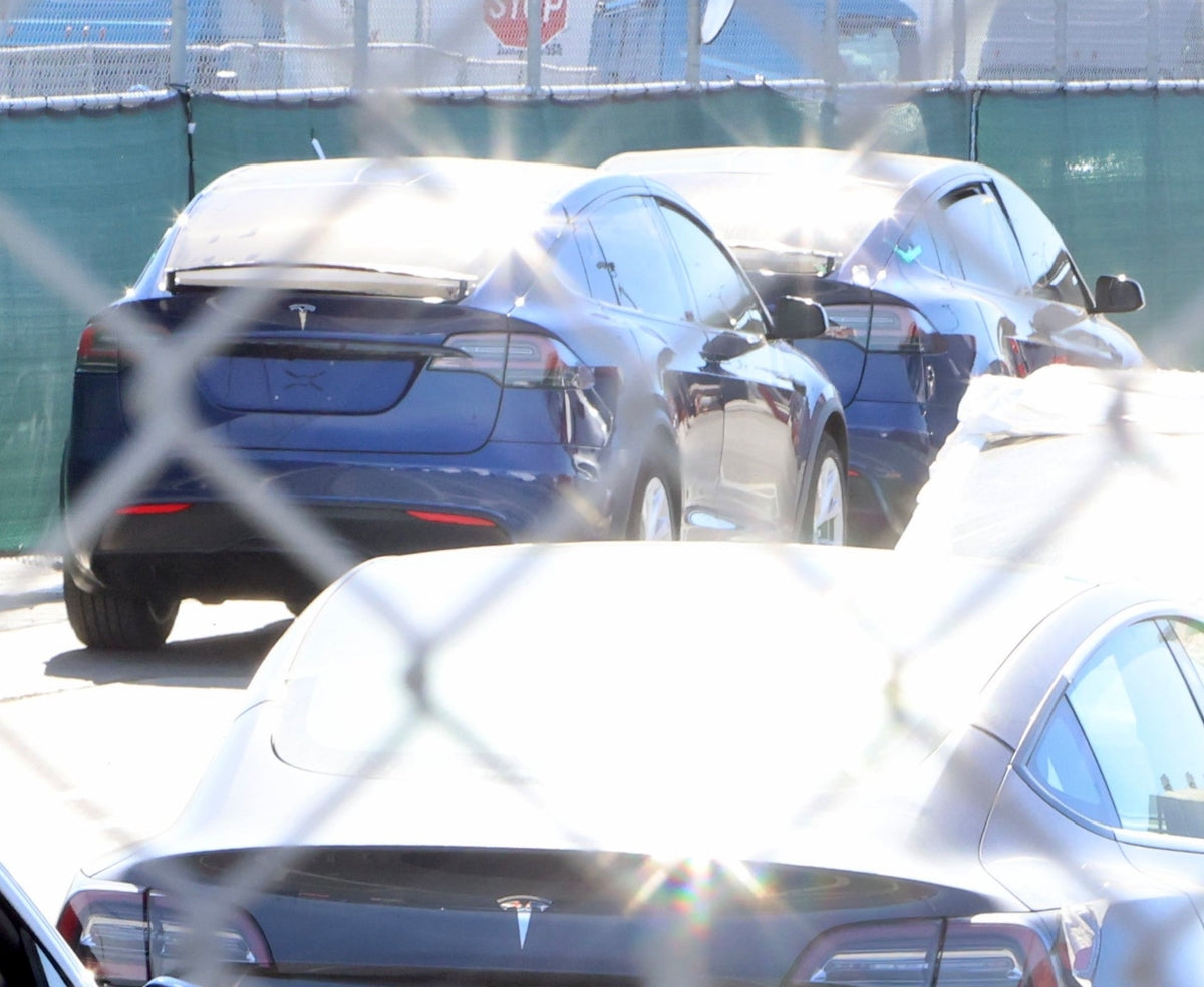 The First Plaid or Refreshed Model Xs Are Spotted at Tesla's Fremont Factory