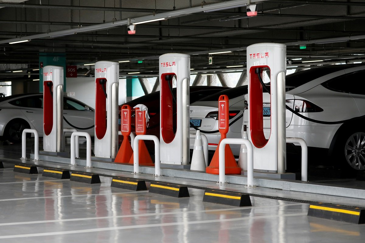 First Tesla Supercharger in Israel Officially Opens & Offers Very Low Charging Prices
