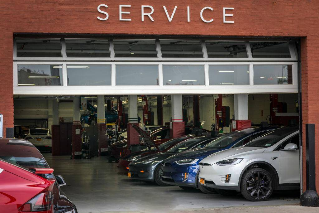 Tesla Seeks Commercial Real Estate Professionals for Service Center Expansion in Northeast US