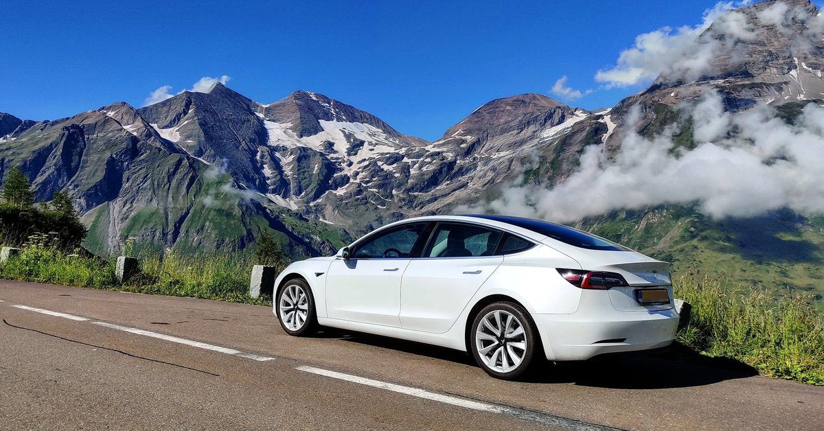 Tesla to Earn More Carbon Credit Revenue from Legacy Automakers Failing to Meet EU Carbon Standards