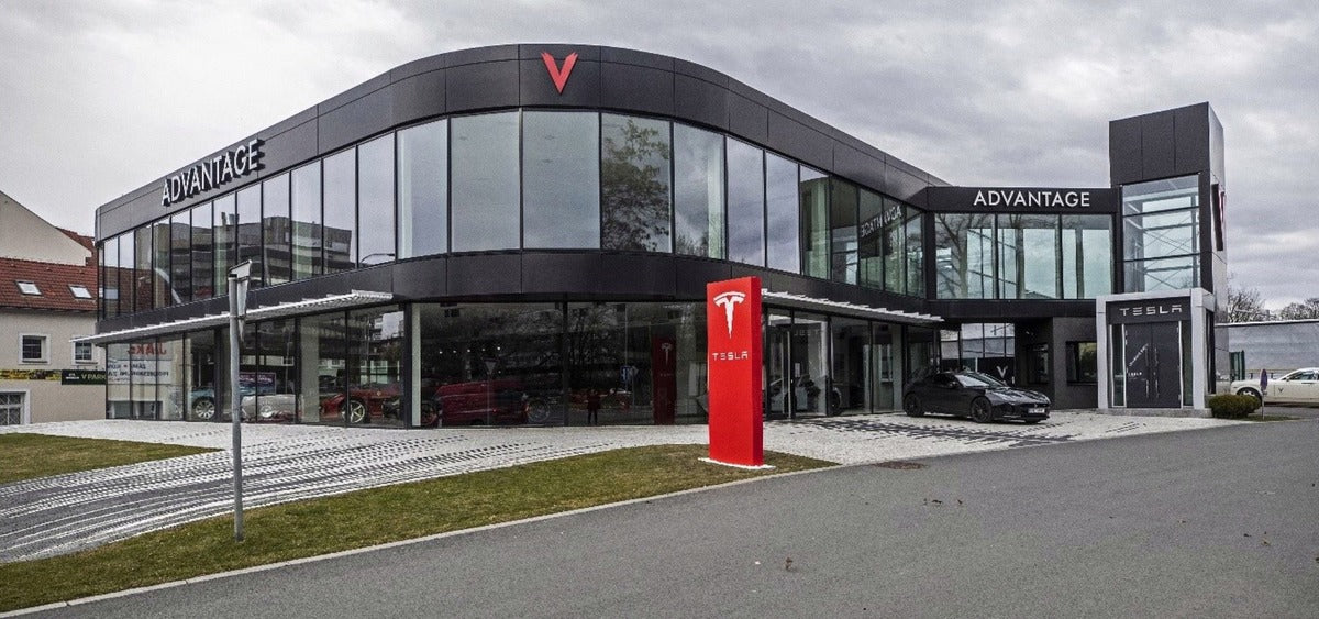 Tesla to Convert Old Porsche Dealership into New Tesla Store in London, Ontario, in Canadian Expansion