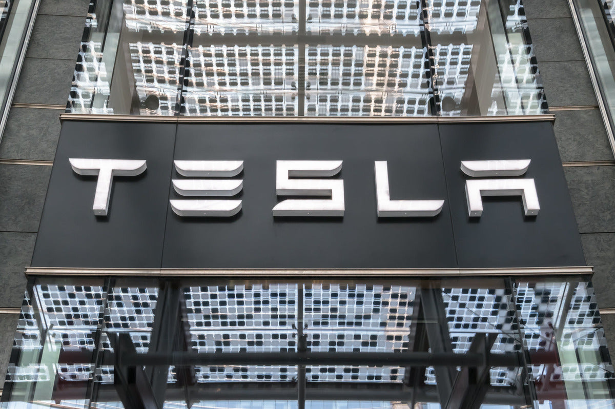 Tesla TSLA Investment Brings in $29 Billion Profit to Scottish Investment Trust