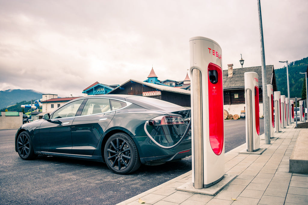 Elon-Musk-Tesla-Supercharger-Use-North-America