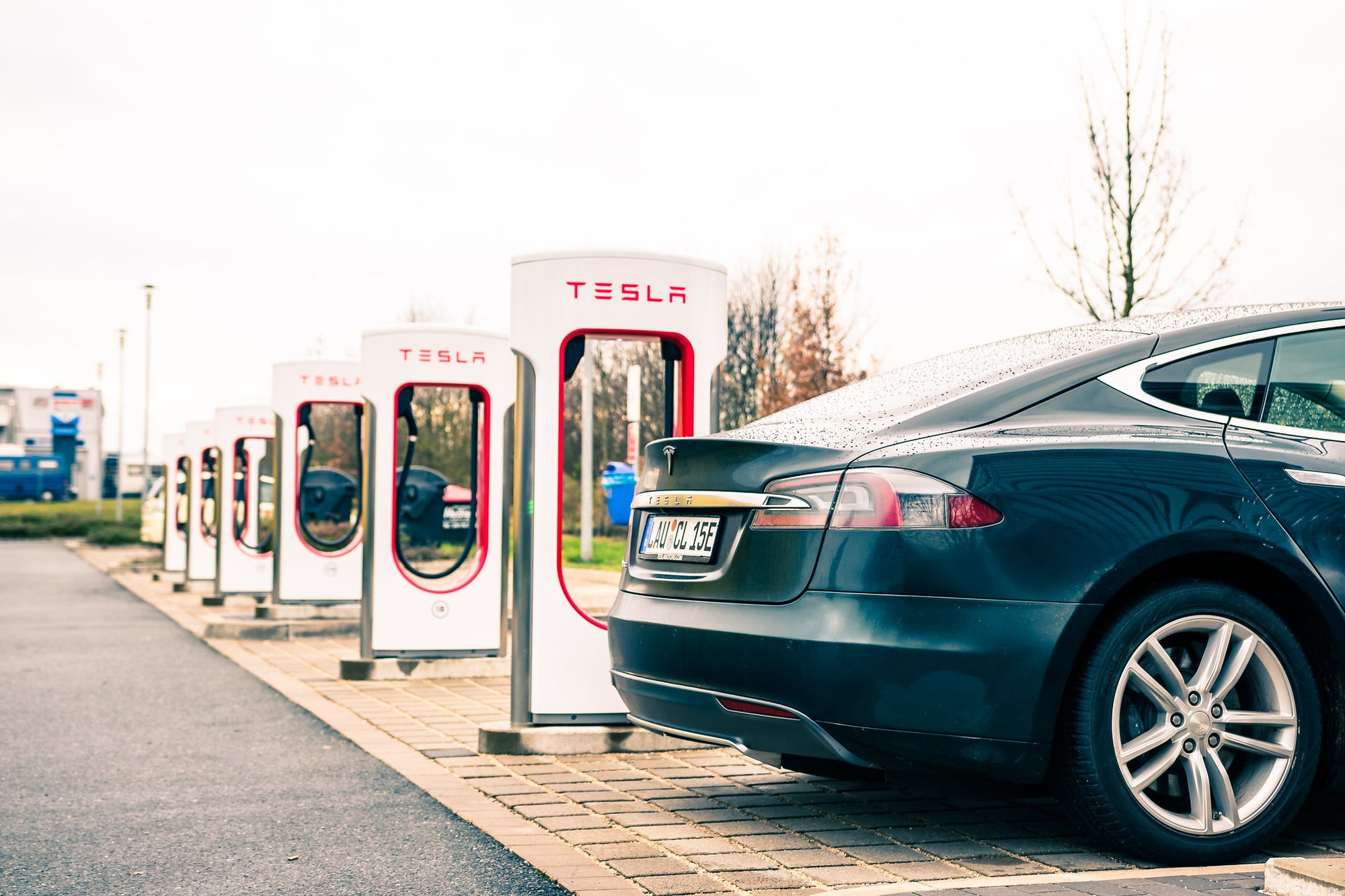 Tesla-Supercharger-Maxwell-Technologies-Lithium-batteries