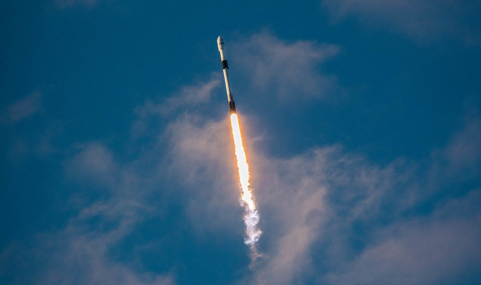U.S. Space Force 45th Weather Squadron forecasts conditions for SpaceX Starlink mission