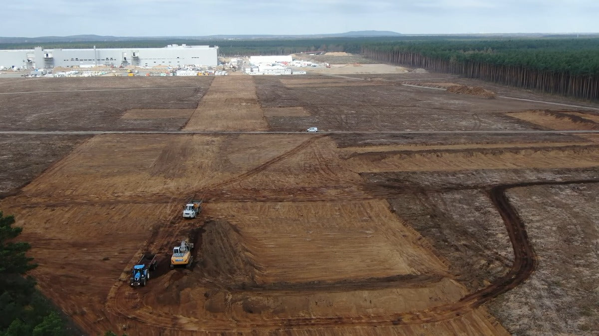 Tesla Giga Berlin Continues Construction Work After Recently Obtained Preliminary Permits