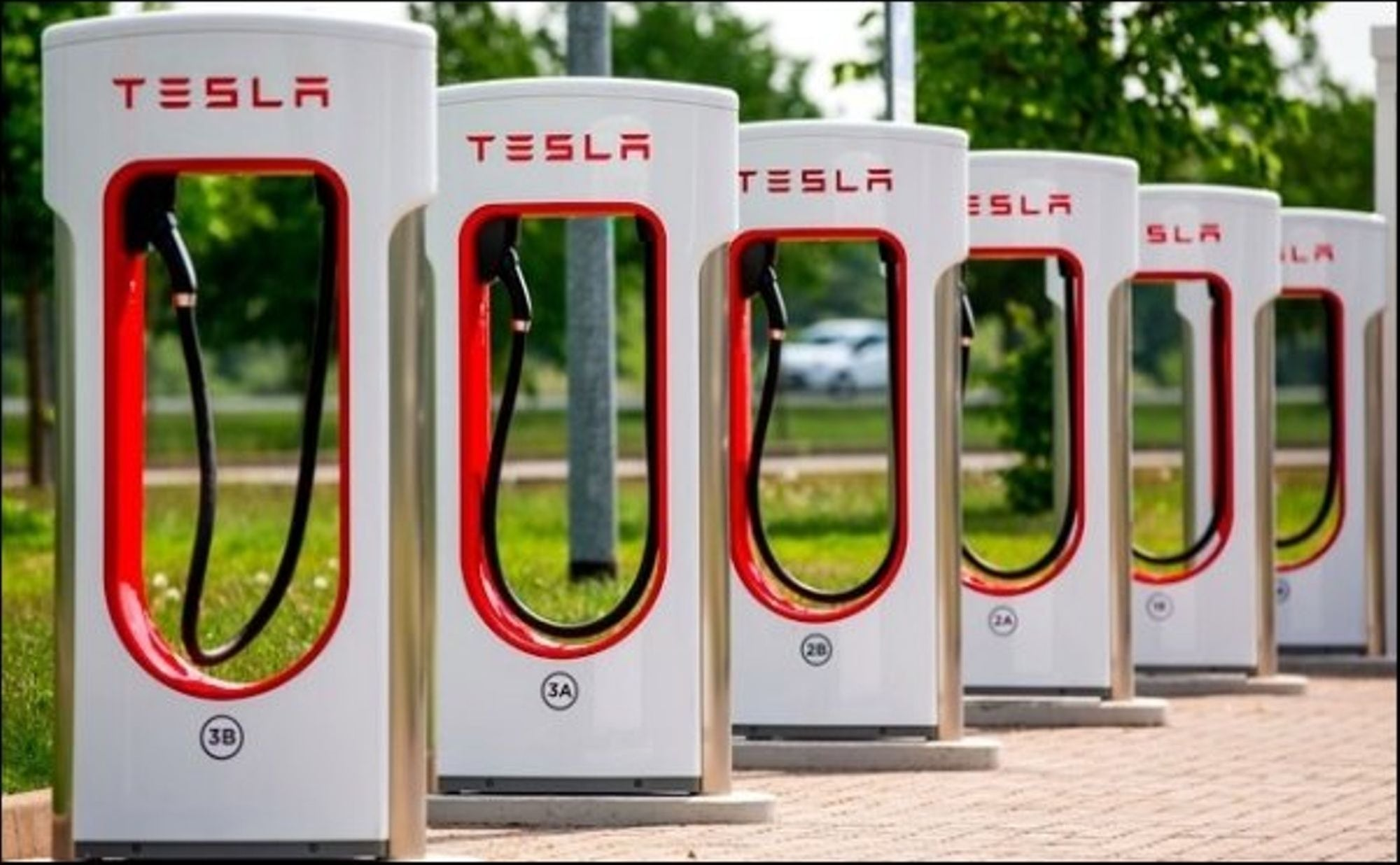 Tesla China To Increase 4000 Superchargers in 2020 for High Demanding Model 3