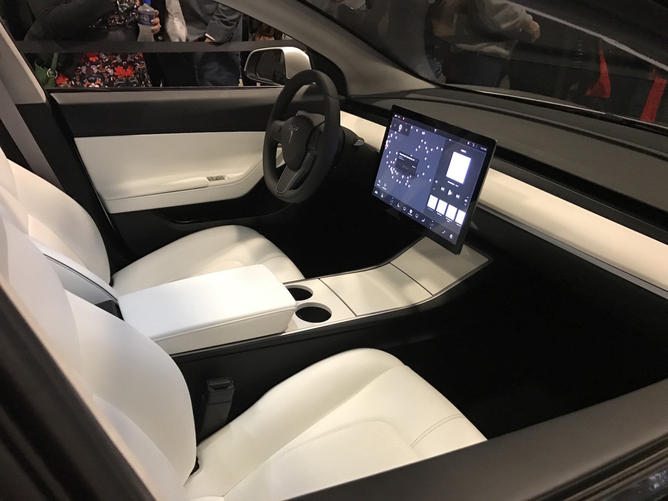 Tesla filed a patent for new material. Are we waiting for an update of the material for the seats and interior trim?
