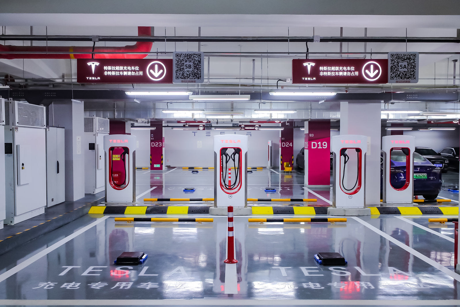 Tesla Opens North China's Largest V3 Supercharging Station in Beijing, as Demand Continues to Spike