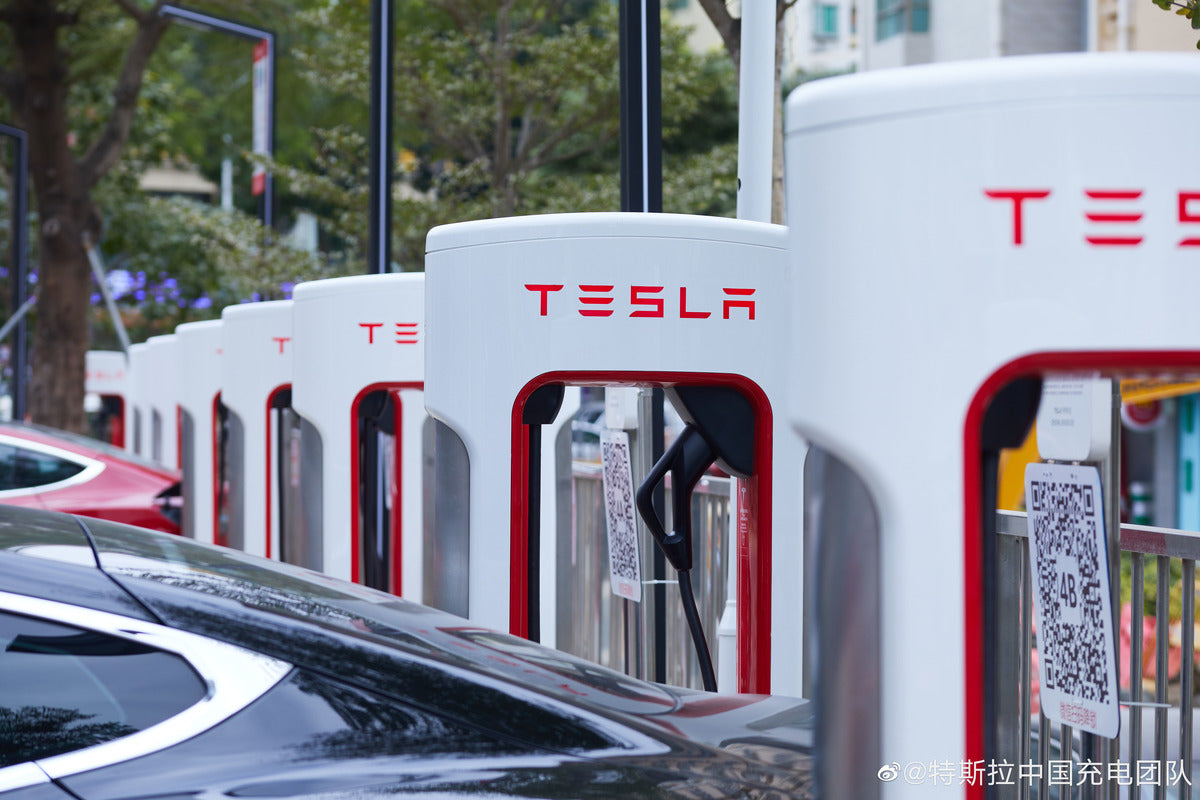 Tesla Hits New Milestone: Installs 6,000th Supercharger Stall in China