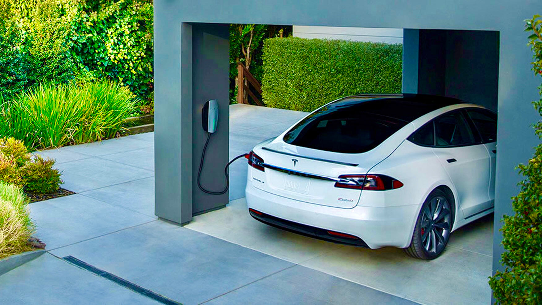 Accelerate and charge itself: Tesla received the long-awaited update