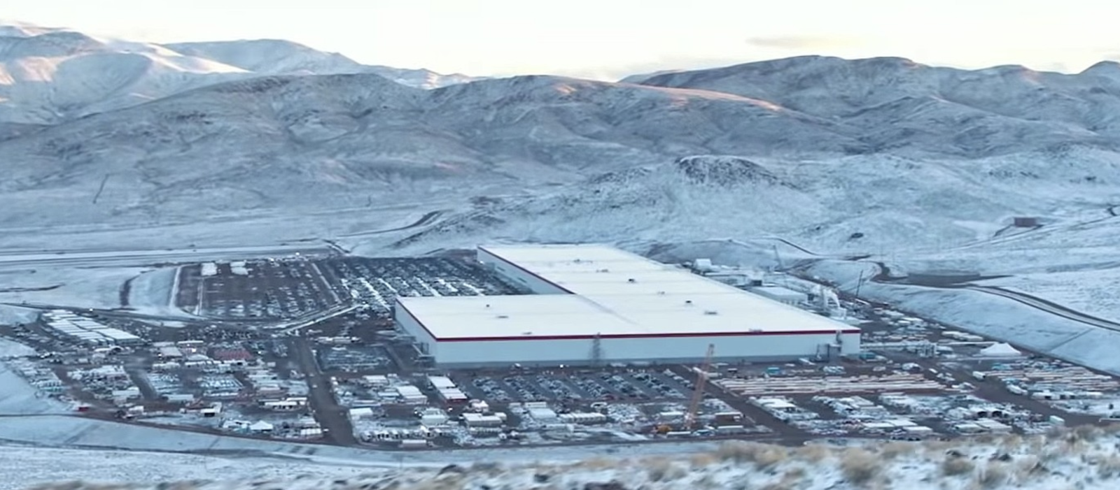 Tesla Gigafactory 1 Nv Can Remain Open Since It S Part Of Supply Chain