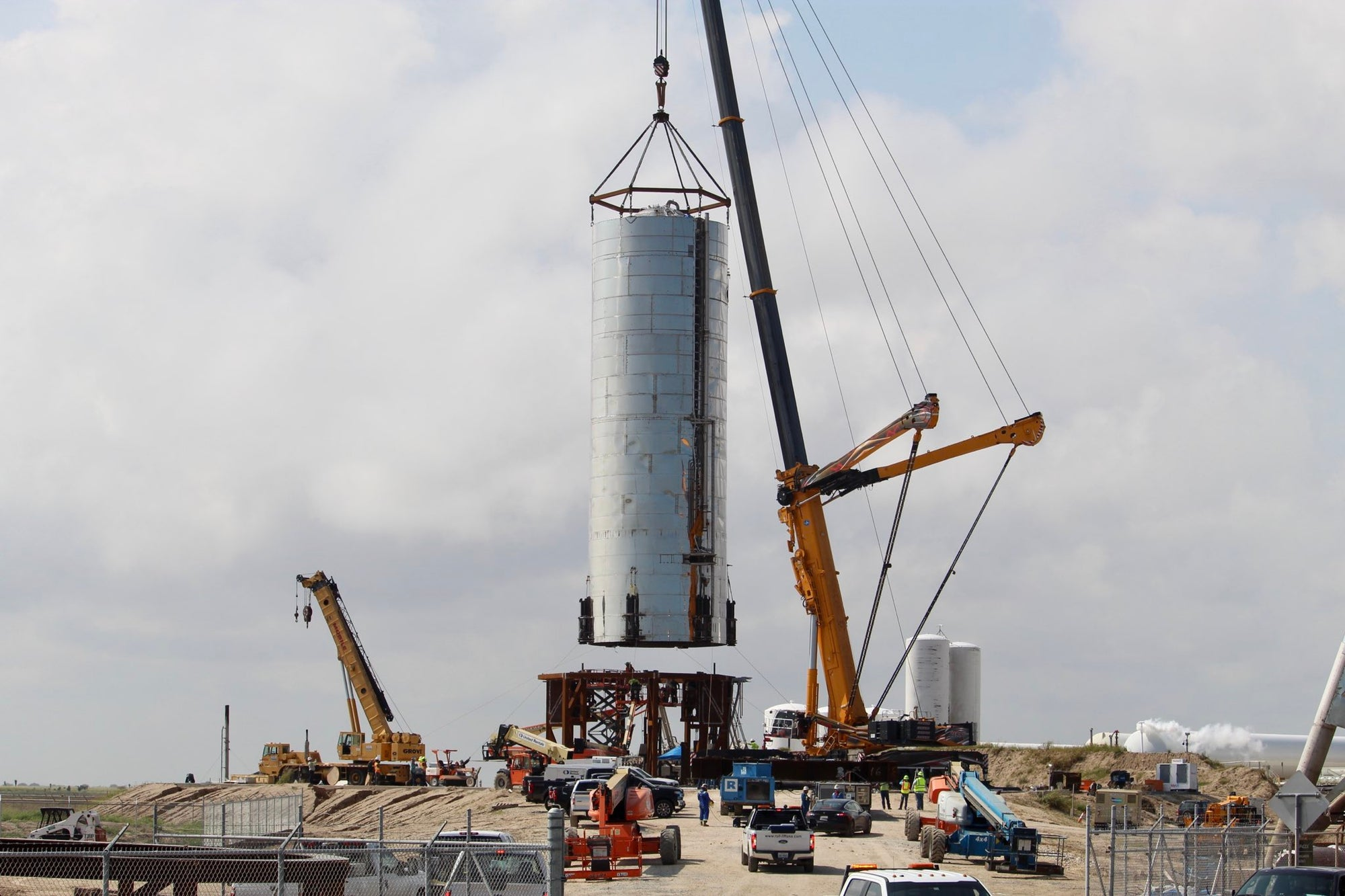 SpaceX Starship Mk1 moved to the launch pad in Texas