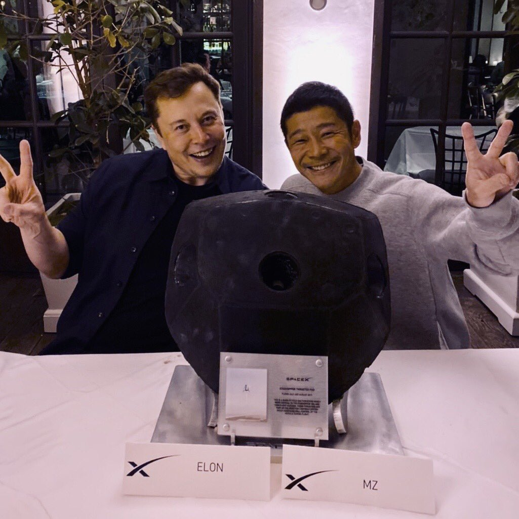 SpaceX Starship will take Japanese entrepreneur Yusaku Maezawa on a journey around the Moon