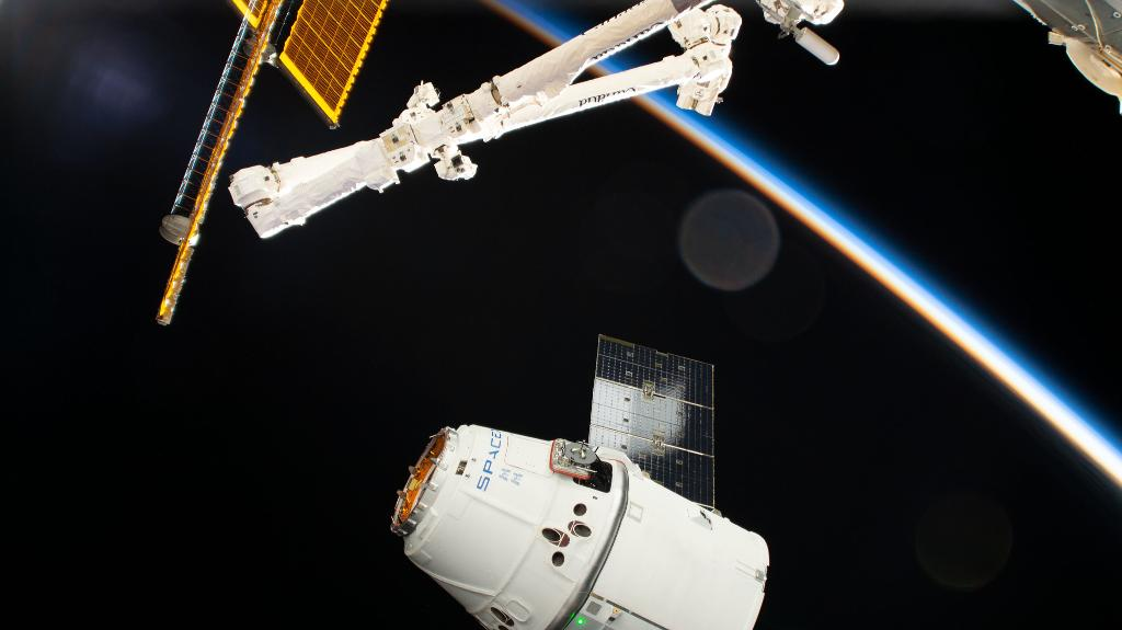 SpaceX Dragon departure from the Space Station delayed due to harsh weather conditions
