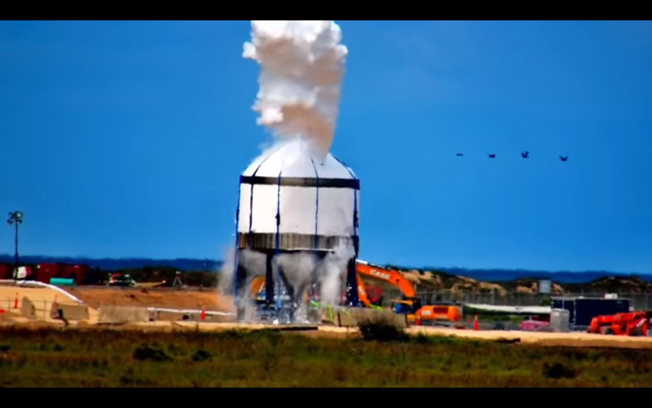 SpaceX tests a Starship dome tank at SpaceX Boca Chica