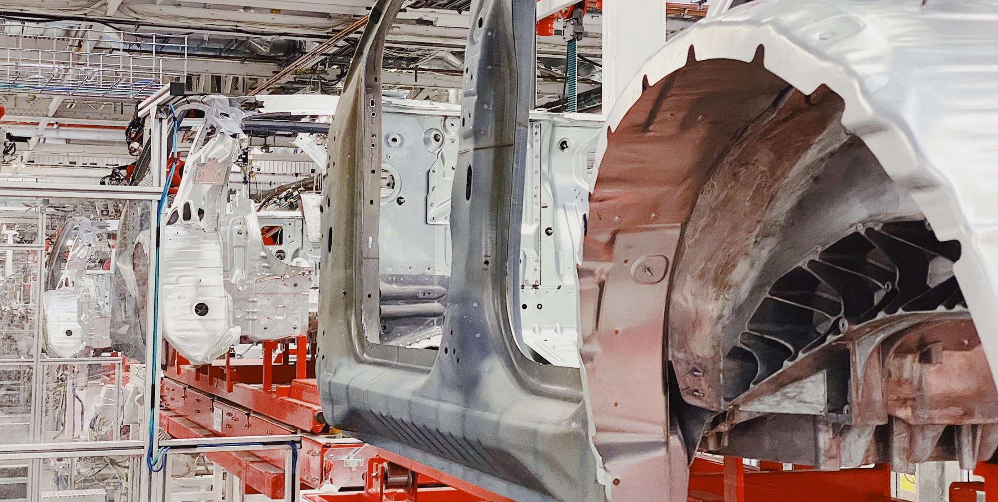 Tesla-Model-Y-Production-Rear-Body-Casting