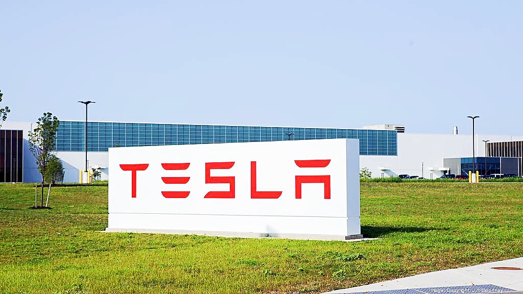 Tesla-Panasonic-Solar-Battery-Cell