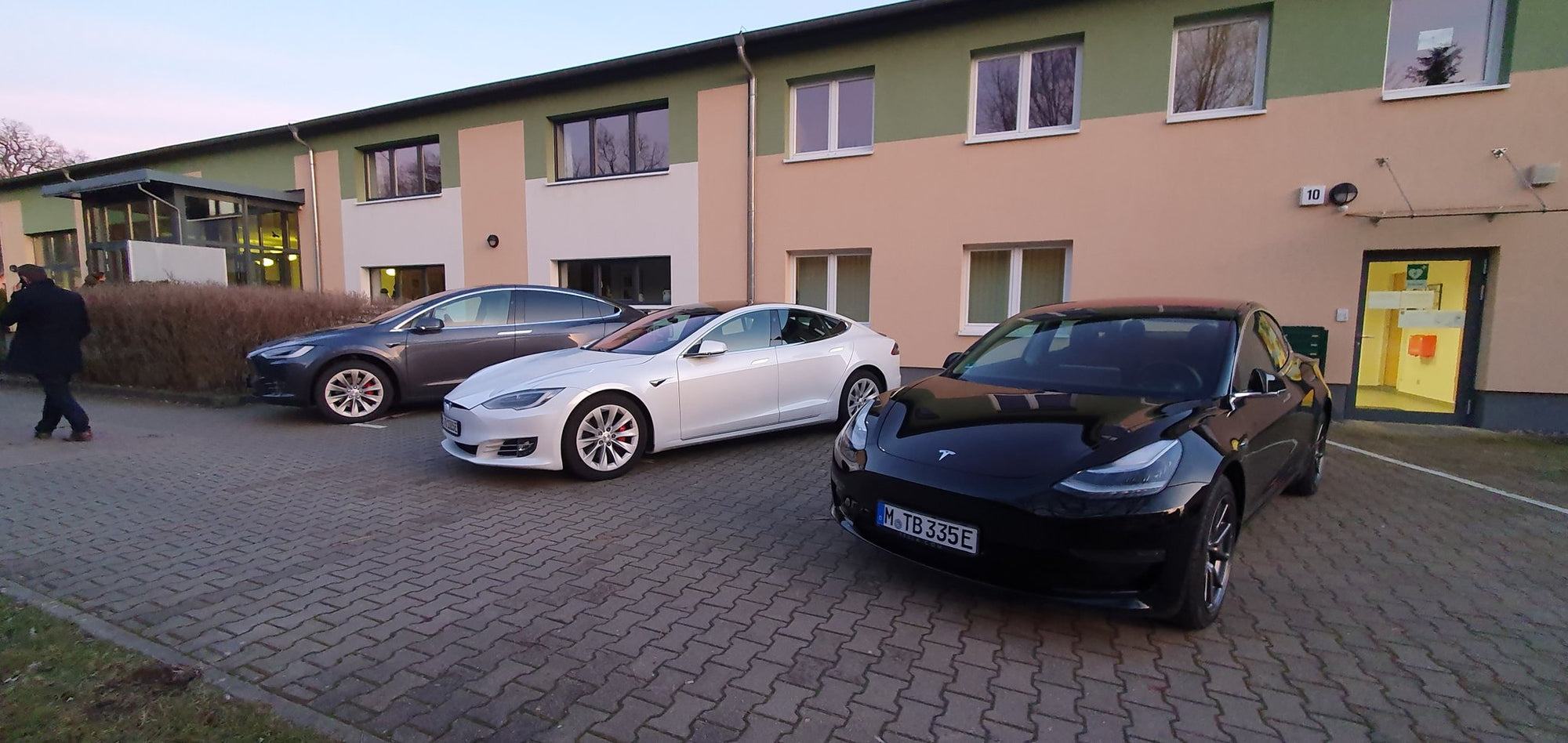 tesla-giga-berlin-meet-and-greet
