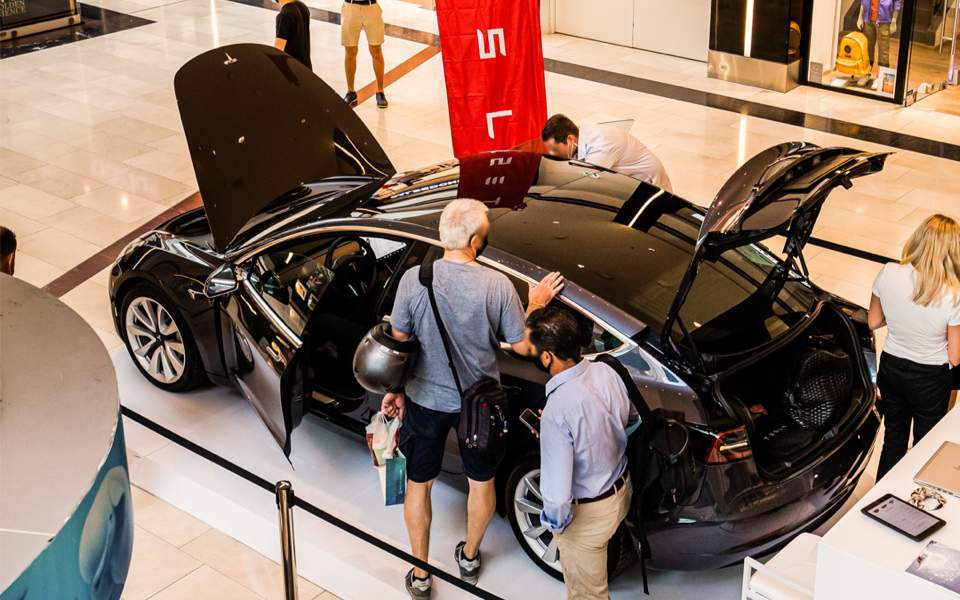 Tesla Starts Showcasing Model 3 in Greek Shopping Mall, Ready to Enter Local Market