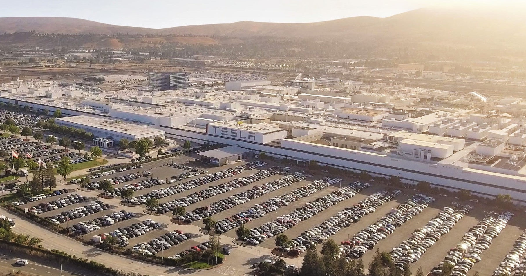 tesla-fremont-factory-reopening-alameda-county