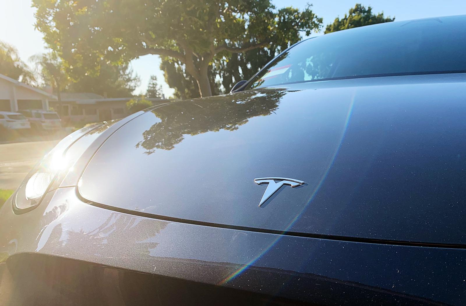 Tesla Received Buy Rating from Goldman Sachs with $864 Price Target, Positive On Model Y