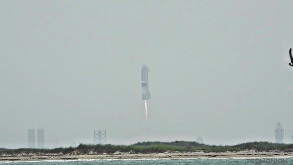 SpaceX Starship SN15 Blasts Off Under Cloudy Sky & Aces The Landing!