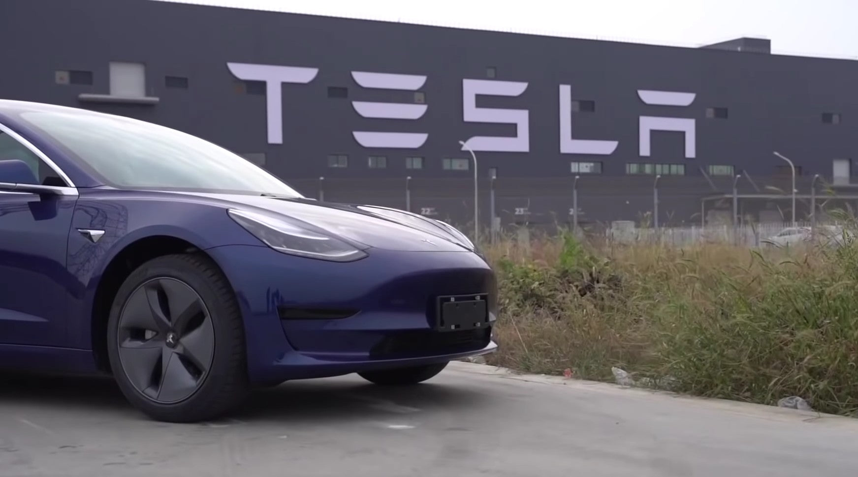Tesla-Flood-Proof-Model-3-Climate-Change