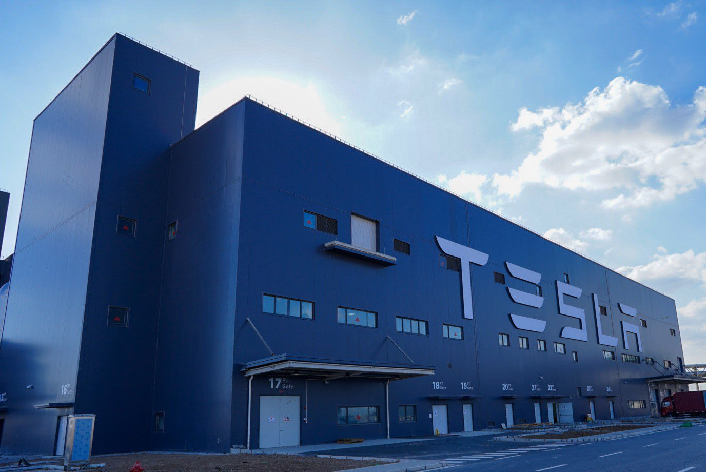 Tesla-Giga-Shanghai-Battery-Production