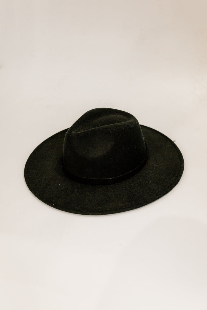 The Dandy Monochrome Hat