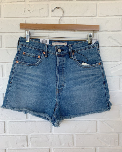 Levis Ribcage Short - Urban Oasis