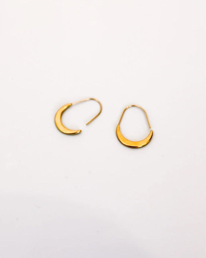 18K Hang The Moon Earring