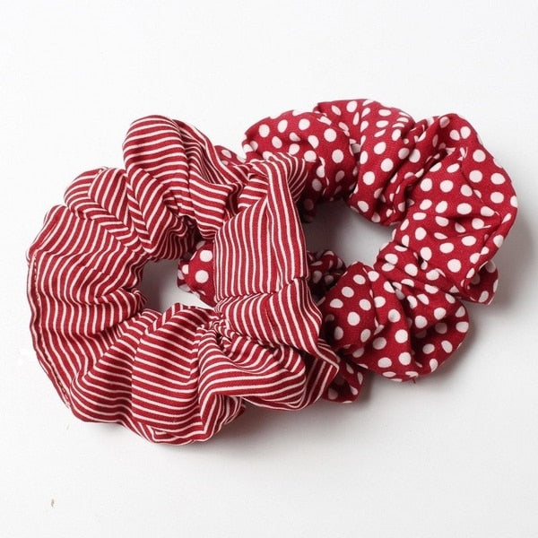 What's in right now? Scrunchies! 2 pack